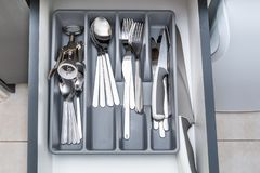 Błyszczący srebny cutlery zdjęcia stock