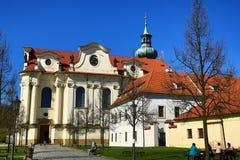 BÅ™evnovklooster (het Duits: Stift Breunau) is een Benedictinearchabbey in het BÅ™evnov-district van Praag, Royalty-vrije Stock Foto