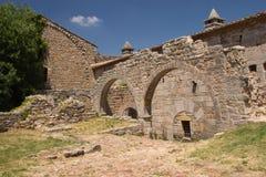 Bågar av den Thoronet abbeyen (Frankrike) Arkivbilder