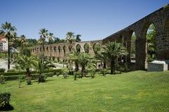 Bågar av San Anton, akvedukt av Caceres spain Arkivfoton