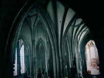 Bågar av Sts Stephen domkyrka royaltyfria bilder