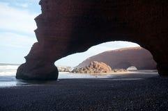 Bågar i sandstenklippa Royaltyfri Fotografi