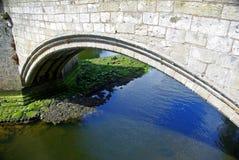 Båge över vatten Royaltyfria Foton