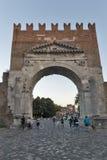 Båge av Augustus i Rimini, Italien arkivfoto