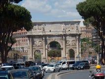 Båge av Constantine från via San Gregorio Royaltyfri Fotografi