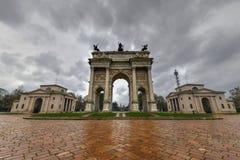 Båge av fred - Milan, Italien royaltyfri bild