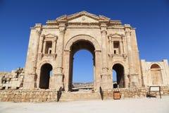 Båge av Hadrian - Jerash, Jordanien Royaltyfria Bilder