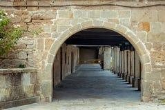 Båge av silleriaen i Aguilar de Campoo Palencia arkivbilder