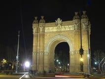 Båge av triumfen vid natt Royaltyfri Foto