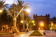 Båge del Triomf i skymning Barcelona Royaltyfri Foto