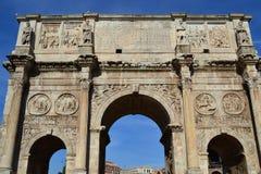 Båge för Constantine ` s i Rome, Italien arkivfoton