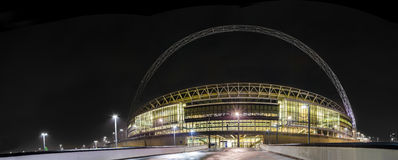 Båge för Wembley stadion i London Royaltyfri Bild