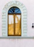 Båge med fönstret Arkivbilder