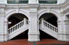 Båge trappuppgång, balustradkolonn Arkivfoton
