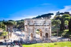 Bågen av Constantine, Rome Italien fotografering för bildbyråer