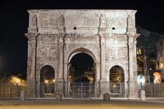 Bågen av Cosntantine, Rome, Italien Arkivfoto