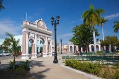 Bågen av Triumph i Jose Marti Park, Cienfuegos, Kuba arkivfoto