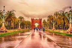 Bågen de Triomf, Arco de Triunfo i spanjor, en triumf- båge i staden av Barcelona, i Catalonia, Spanien fotografering för bildbyråer