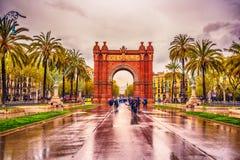 Bågen de Triomf, Arco de Triunfo i spanjor, en triumf- båge i staden av Barcelona, i Catalonia, Spanien Royaltyfri Fotografi