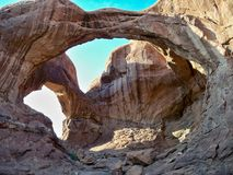 bågen välva sig den dubbla nationalparken Arkivbilder
