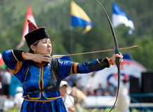 bågskyttmongoliankvinna Arkivbilder