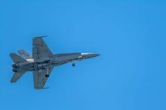 Bålgeting för flygplan F-18 Arkivbild
