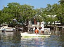 Båtuthyrare i Celestun Mexico Arkivfoto