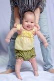 Bébé asiatique dans la robe thaïlandaise traditionnelle Photos stock