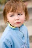 Bébé avec l'expression faciale drôle. Images libres de droits