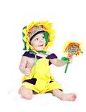 Bébé caucasien dans un tournesol costumé Photo libre de droits