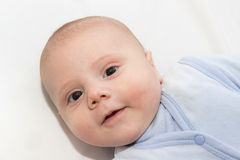 Bébé dans la chemise bleue Image stock
