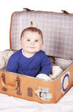Bébé dans la valise Photo stock
