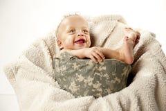 Bébé dans le casque image libre de droits
