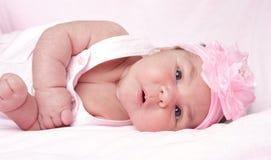 Bébé dans le rose Images libres de droits