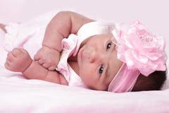 Bébé dans le rose Image libre de droits