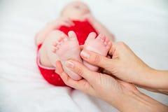 Bébé dans une clinique photo libre de droits