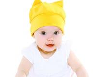 Bébé doux de portrait dans le chapeau jaune Photographie stock