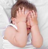 Bébé effrayé photographie stock libre de droits