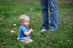 Bébé et maman Photo stock