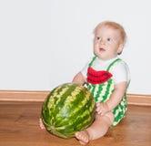 Bébé et pastèque Image libre de droits