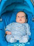 Bébé garçon à la maison Image libre de droits