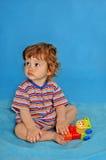 Bébé garçon avec le jouet Photo libre de droits