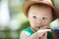 Bébé garçon d'été images libres de droits