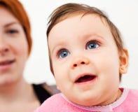 Bébé heureux images stock