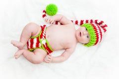 Bébé idiot dans le chapeau rayé de Knit Photos stock