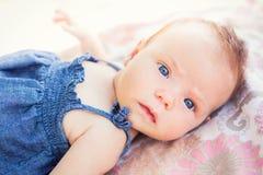 Bébé nouveau-né adorable Image libre de droits
