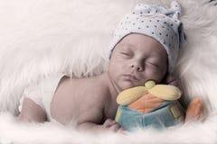 Bébé nouveau-né de mâle de foyer sélectif de détails Image libre de droits