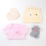 Bébé nouveau-né essentiel, configuration plate photographie stock