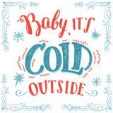 Bébé sa carte extérieure froide de main-lettrage Images stock