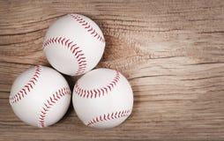 béisbol Bolas en la madera Imágenes de archivo libres de regalías